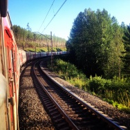 Requisite train-going-around-a-bend shot