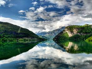 Glassy lakes and epic reflection in Embalse Bubal