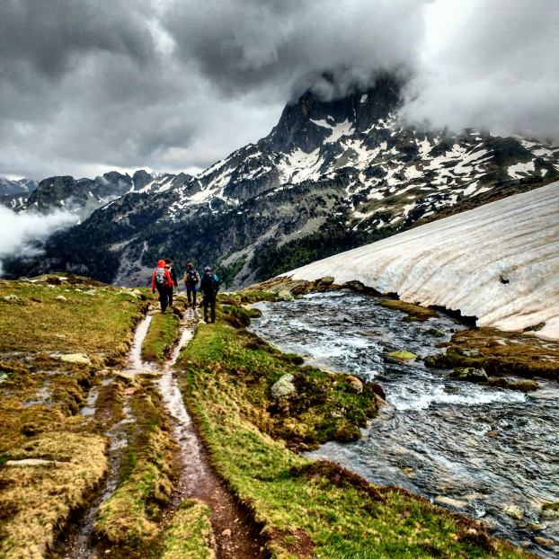 The team encountering every type of condition at Lac D'Ayous